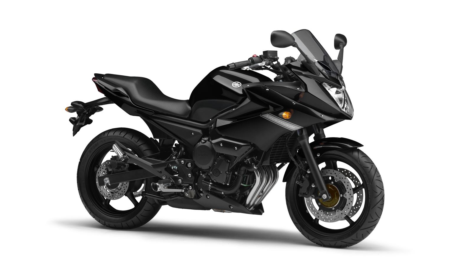 2011 Yamaha XJ6 Diversion EU Midnight Black Studio 001