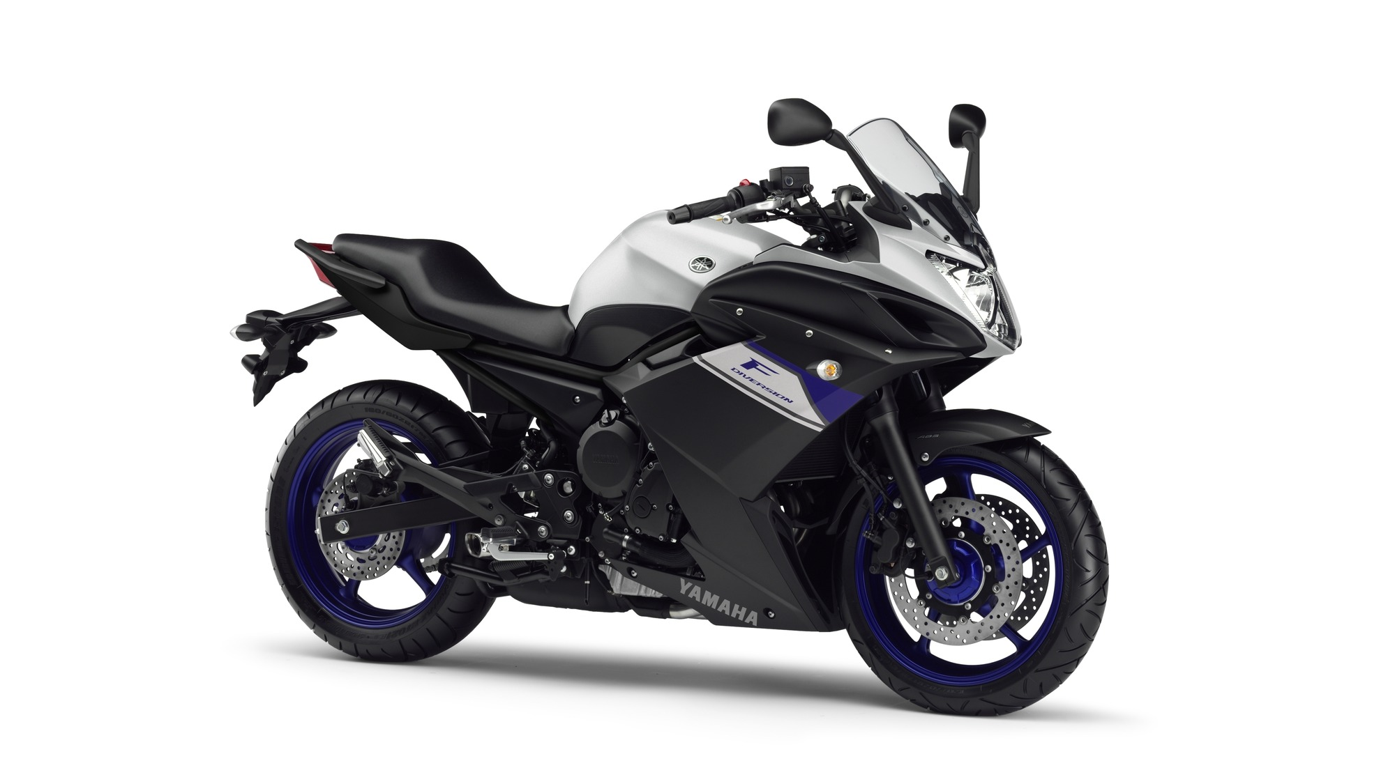 2015 Yamaha XJ6 Diversion F EU Race Blu Studio 001